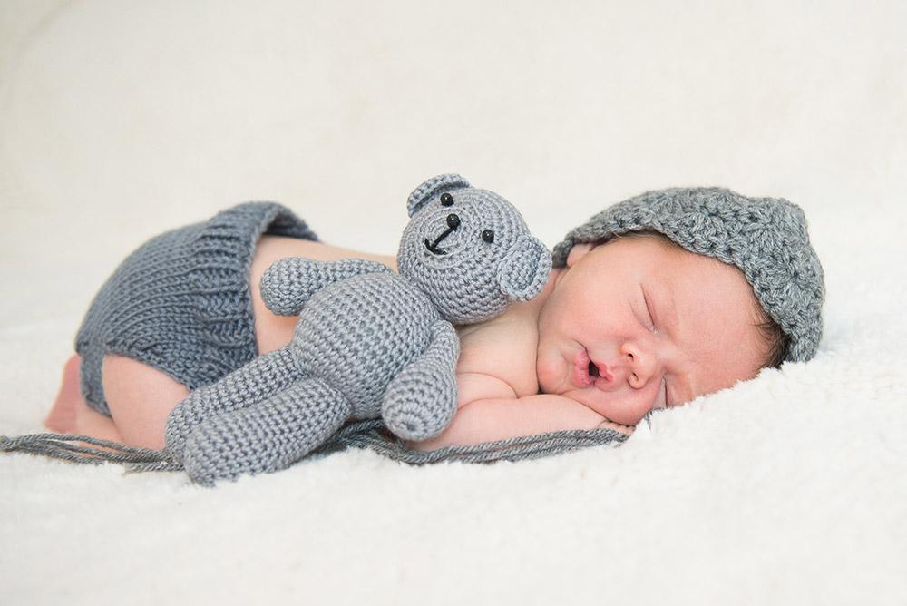shutterstock_531954151-baby-sleeping